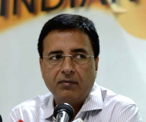 Financial experts of Modi government fed up: Congress