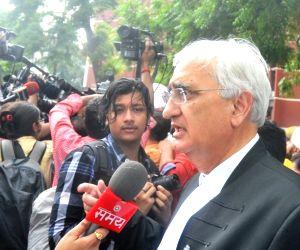 AAP legislators, Maken, Khurshid at EC