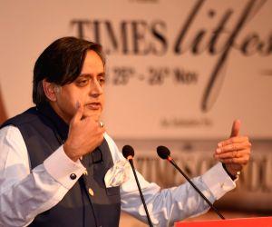 Shashi Tharoor at Times Litfest Delhi