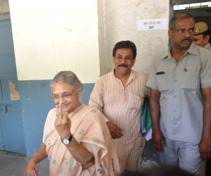 Sheila Dikshit votes during MCD polls