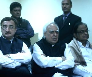 Congress leaders Vivek Tankha, P. Chidambaram and Kapil Sibal during party chief Rahul Gandhi's press conference in New Delhi, on Jan 12, 2018.