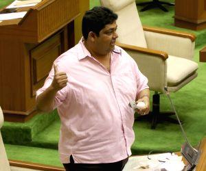 Goa government in minority, invite us: Congress to Governor