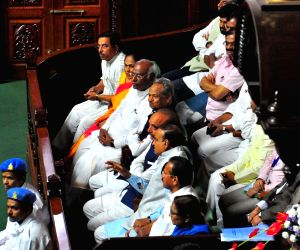 Congress legislators Mallikarjun Kharge, Ashok Gehlot, Ghulam Nabi Azad, Ananth Kumar and D. V. Sadananda Gowda at Karnataka Assembly; in Bengaluru on May 19, 2018.