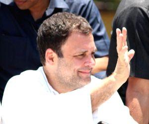 Rahul Gandhi, Siddaramaiah during Congress road show