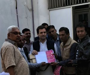 Rahul Gandhi meeting supporters