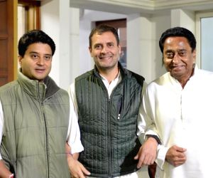 Congress President Rahul Gandhi with party leaders Kamal Nath and Jyotiraditya Scindia in New Delhi on Dec 13, 2018.