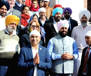 Congress Rajya Sabha MP Partap Singh Bajwa and a delegation comprising of California State Assembly members during their visit to the Golden Temple in Amritsar, on Dec 15, 2018.