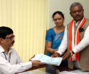 Karnataka Assembly polls - ST Somashekar files nomination papers
