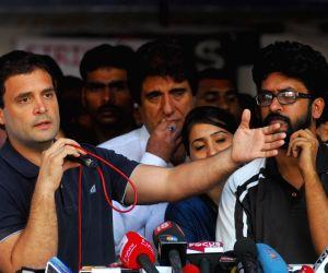 Rahul Gandhi visits FTII