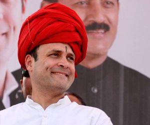 Ranesar (Gujarat): Rahul Gandhi during Congress rally