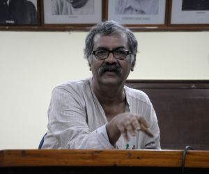 Sitaram Yechury, Nilotpal Basu 's press conference