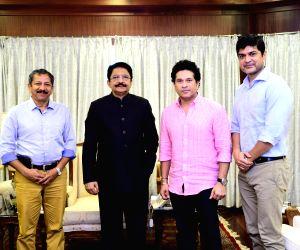Sachin Tendulkar meets Maharashtra Governor