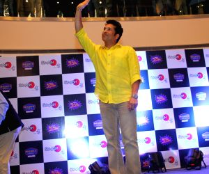 "Sachin Tendulkar launches ""Smaaash Sachin Virat Cricket Carnival"