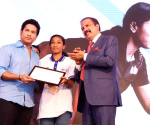 Sachin Tendulkar inaugurates advanced sports medicine centres