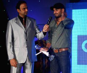 Cricketer Harbhajan Singh at the CEAT Awards.