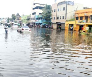 Heavy rains lash Odisha, throw life out of gear