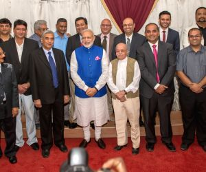 Dar es Salaam (Tanzania): Modi at Indian Community Reception