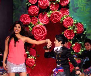 Darsheel woos Madhuri, Priyanka (TV Snippets)