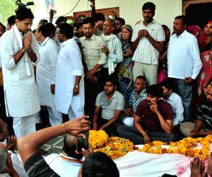 Sachin Pilot at the funeral of Rajasthan farmer