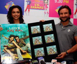 """Deepika Padukone and Saif Ali Khan at """"Love Aaj Kal"""" music launch on the sets of Sa Re Ga Ma lil Champs, at Famous Studio, Mahalaxmi, in Mumbai."""