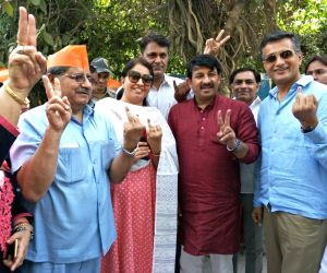 MCD Election - Manoj Tiwari at a polling booth