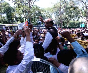 Delhi BJP chief Vijay Goel leads a protest rally against Delhi CM Sheila Dikshit
