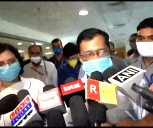 Arvind Kejriwal, Manish Sisodia visit plasma bank at ILBS Hospital