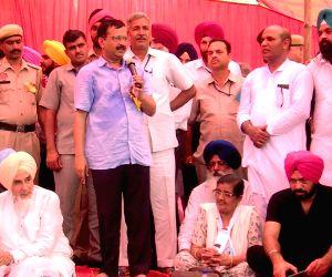 Kejriwal meets Christians