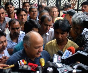 : New Delhi: Aam Aadmi Party's PAC meeting - Manish Sisodia, Kumar Vishwas