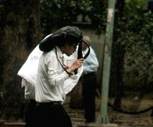 National capital witnesses pre-monsoon showers