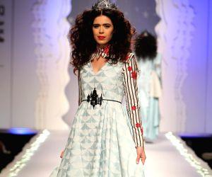 Anju Modi brings fantasy world on runway