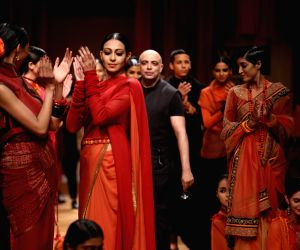 Tahiliani takes inspiration from fakirs, paints ramp with bold colours