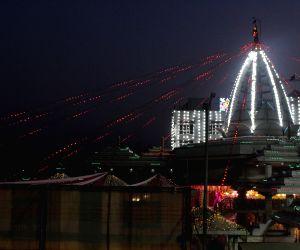 Illuminated Jhandewalan Temple on the eve of Navratri celebrations
