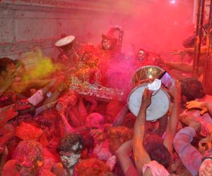 devotees-celebrate-holi-festival-of-colours-at