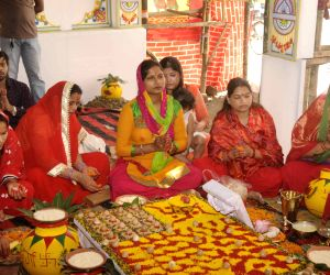 /photos/navratri-festival-photos.html#photo