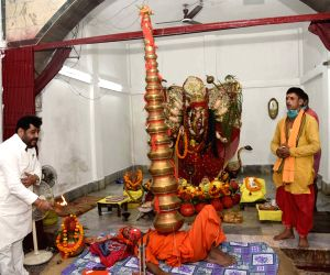 Devotees throng Naulakha Temple on the first day of Navaratri