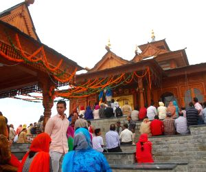 Himachal temples see rush with onset of Navratri