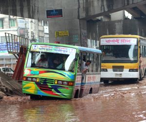 BANGLADESH DHAKA WATERLOGGING