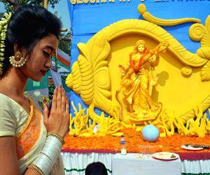 BANGLADESH DHAKA HINDU FESTIVAL SARASWATI