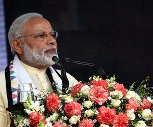 Dickoya (Sri Lanka): PM Modi meets Indian origin Tamil Community in Dickoya