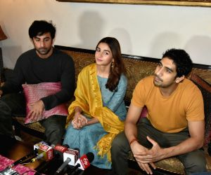 "Star cast of ""Brahmastra"" holds a press conference"