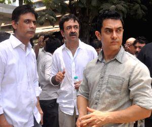 Rajkumar Hiranis fathers funeral