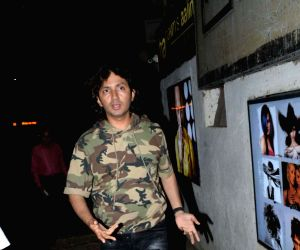 Shirish Kunder seen outside Hakim Aalim's salon at Andheri