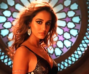 Disha Patani nails the stay at home glow with such ease, take a look