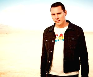 Tiesto, Fatboy Slim to headline Bacardi Enchanted Valley Carnival ()