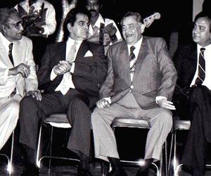 Yeh mera deewanapan hai..': Dilip Kumar's incomparable acting, inspiring life (Dec 11 is Dilip Kumar's 95th birthday)
