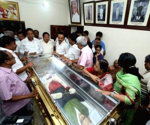 Condole death of DMK General Secretary Anbazhagan