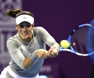 Muguruza feels less pressure ahead of French Open