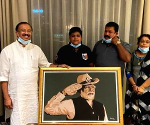 Dubai boy who made Modi's portrait receives letter of praise from PM