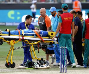 Pandya suffers acute lower back injury